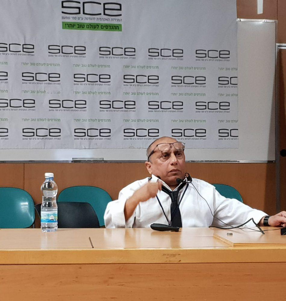 איתן עמרם בהרצאה ב SCE